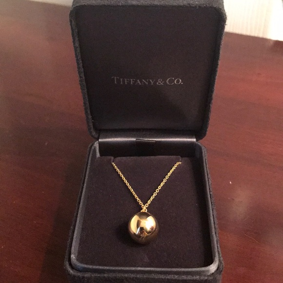 19ef54ffff6a4 Tiffany & Co HardWear ball pendant. Boutique
